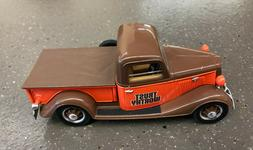 Trust Worthy 1935 Ford Pickup with Tonneau Cover Bank 1/25 S